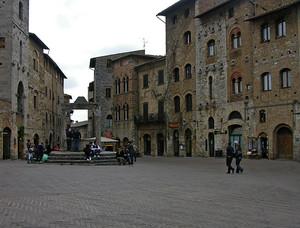 "Piazza ""sangimignanosa"""