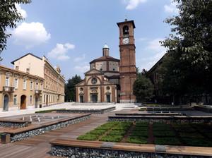 La solita foto della solita piazza