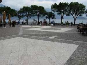 Due passi in piazza