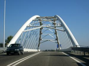 Reggio  Emilia ponte moderno in ferro