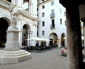 Piazzetta Palladio.