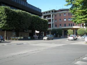 La piazza del grattacielo