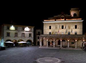 La ringhiera dell'Umbria e la sua piazza
