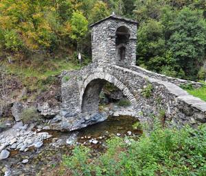 Antico ponte in pietra