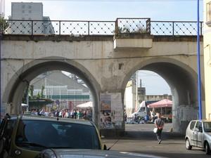 Doppio ponte per il porto