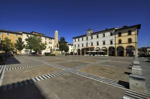 In piazza per una bella giornata