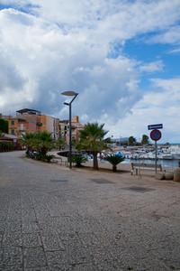 Nuvole su Piazza Tonnara