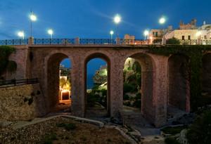 Il ponte nell'ora blu