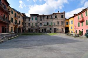 Piazza Castello – Pigna (IM)