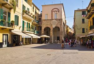 una piazza la sua storia (palazzo del comandante della città)