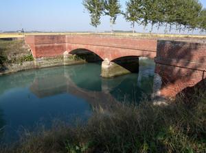 Vicolungo ponte sul canale