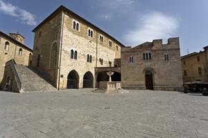 La Piazza Silvestri