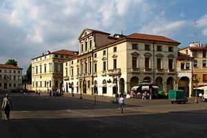 Piazza vicentina