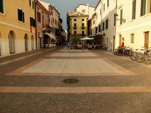 Piazza Catullo
