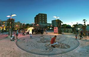 Gli incontri serali di piazzale Roma