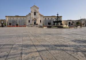 la grande piazza centrale