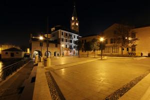 Piazza della Pescheria di notte