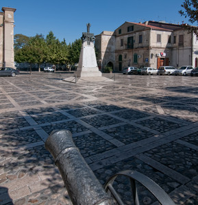 Cannoni in piazza
