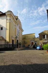 Piazzetta dedicata al Santo della chiesa