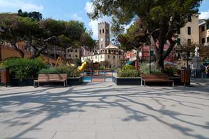 Piazza & Parco giochi