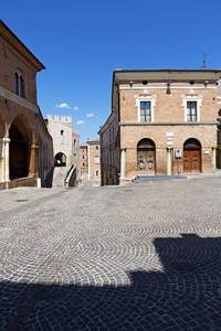 Una piazza dopo l'altra