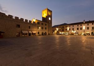 Piazza Mazzini lato Torre in blu