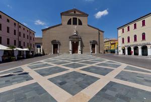 Piazza Garibaldi verso il Duomo