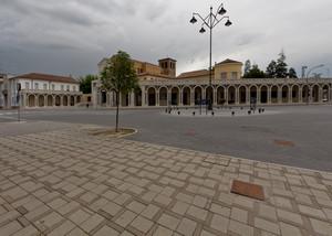 Temporale in Piazza Italia