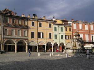 Luce livida in piazza del Popolo