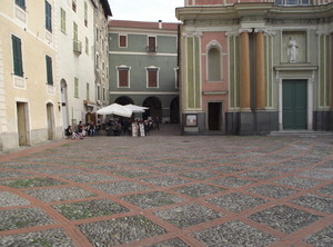 Piazza  Padre  G. Mauro