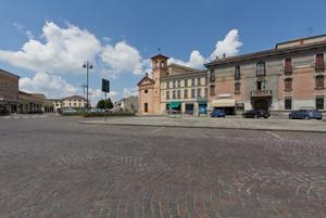 Nuvole su Piazza Garibaldi
