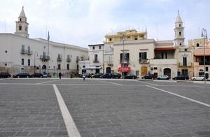 Tra due campanili, ecco Piazza V.E. II alias Piazza Catuma!!!