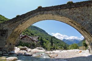 Sotto il ponte di Lillianes