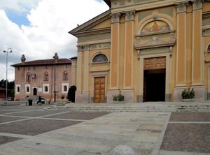 La piazza di Borghetto