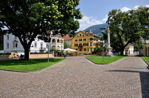 lascio il Palazzo Vescovile e vado verso piazza Duomo