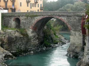 Il vecchio ponte di Ivrea