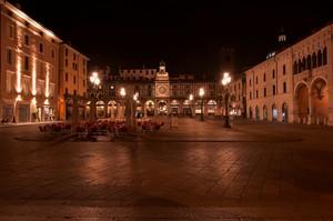 Piazza della Loggia by night