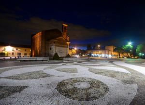 La Piazza in notturna