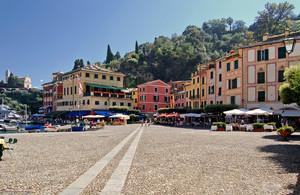 Piazzetta sul porto