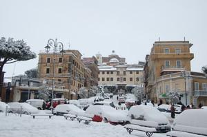 Piazza Marco Mastrofini innevata