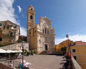 Chiesa dei Corallini in piazza San Giovanni