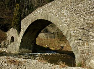 l'arcata centrale del ponte di Cerbaia