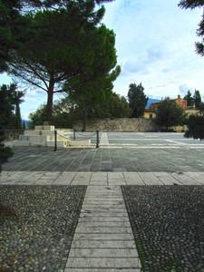 La piazza di Calenzano alto