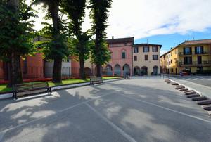 Piazza Cipelli in controluce