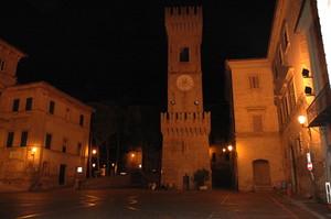 Piazza dei Martiri, Ostra