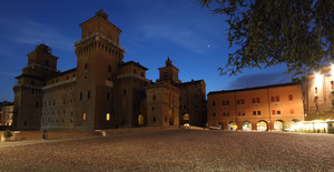 Ferrara_Piazza Castello