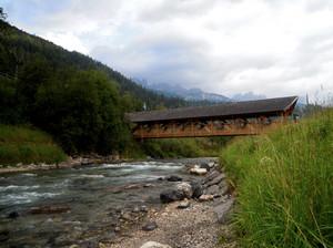 Un ponte nella valle