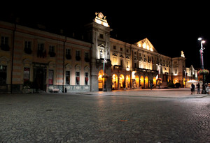 Notte in piazza E. Chanoux