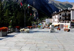 Piazza Corrado Gex