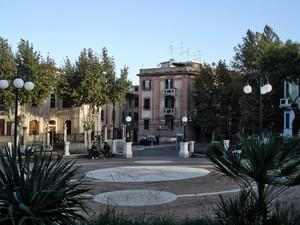 Piazza della consegna della Madonna della Consolazione